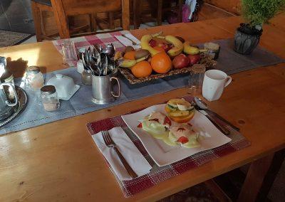 Mount Logan Lodge - breakfast